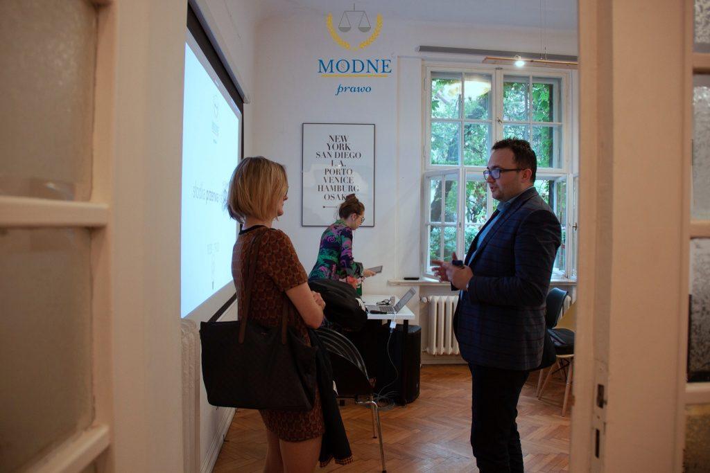 Wirtualne Biuro Kraków - krakow.coworking-centrum.pl - Prawo nowych technologii - kard z przerwy